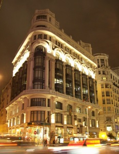 Night view of the Casa Matesanz, at 27 Gran Via (avenue) in Madrid (Spain). Building from 1923.